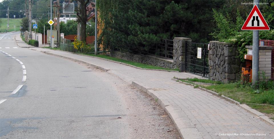Jak se zachováte v místě, kde je tato výstražná dopravní značka?